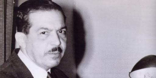 La imagen muestra una foto-retrato de Pedro Henríquez Ureña.